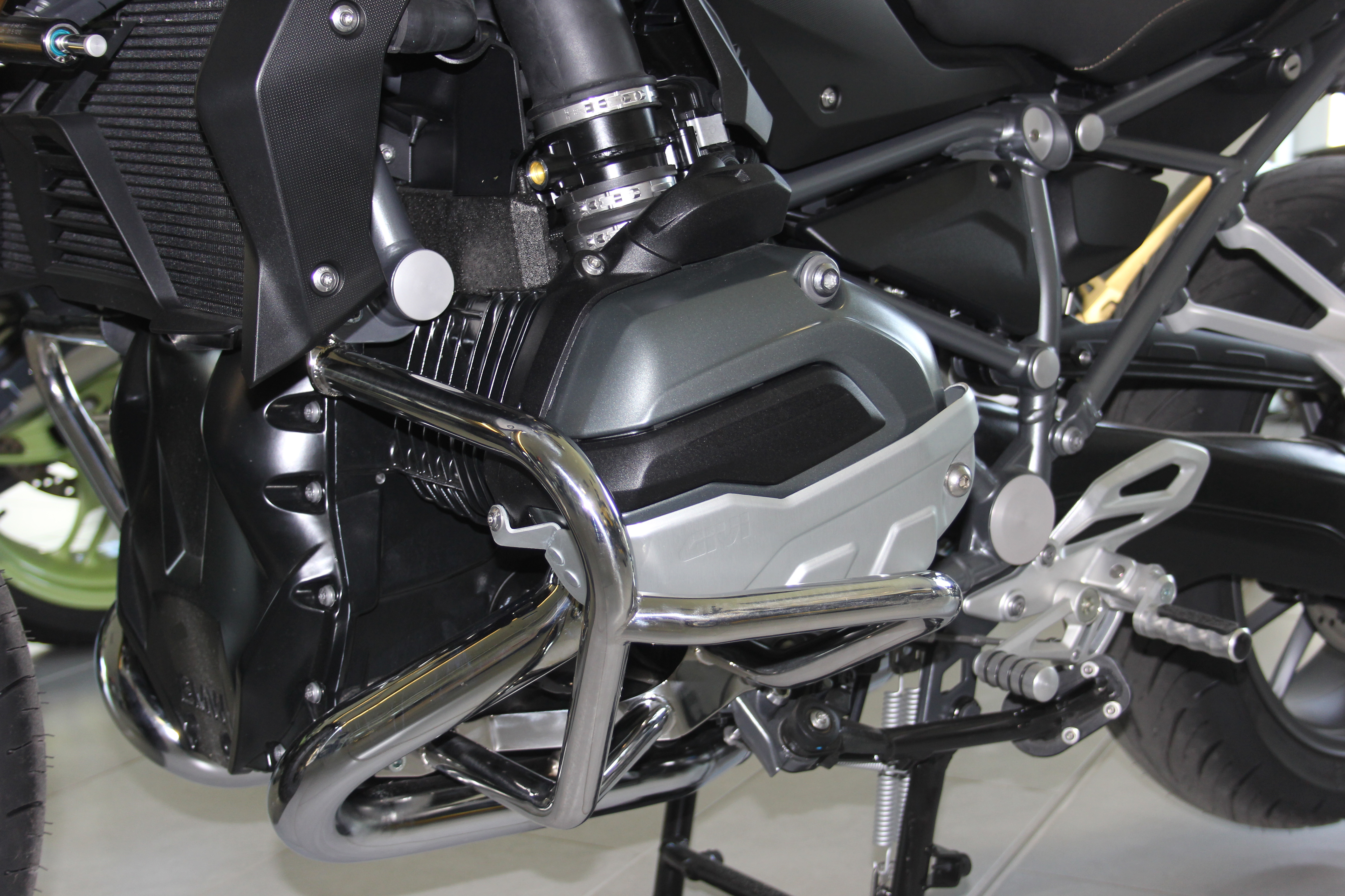 stainless steel engine guards for bmw r1200gs lc r1200r. Black Bedroom Furniture Sets. Home Design Ideas