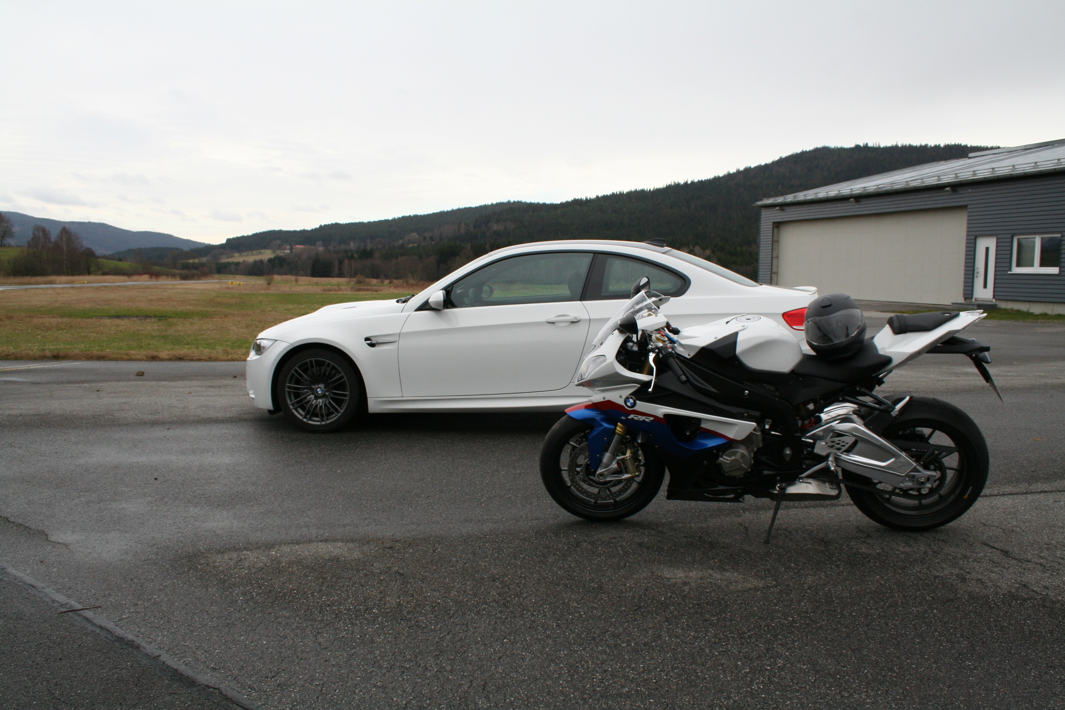Bmw S1000rr Vs Bmw M3 Can The S1000rr Compete With 420bhp Of The Bmw M3 Motorcycle Accessory Hornig Parts For Your Bmw Motorrad